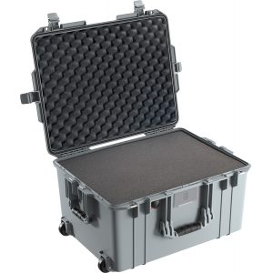 pelican-deep-strong-protective-case-wheels